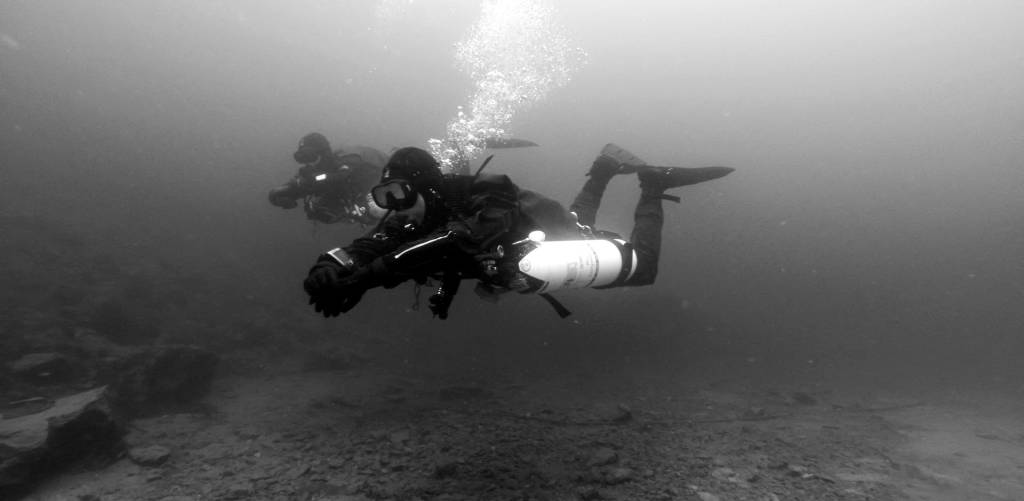 Sidemount Divers TekCamp BW Full Size